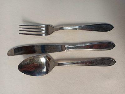 Dessertlepel, mes, en vork pf