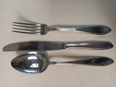 Lepl, mes, en vork pf groot