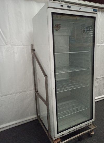 Koelkast verrijdbaar met glazen deur 600 liter